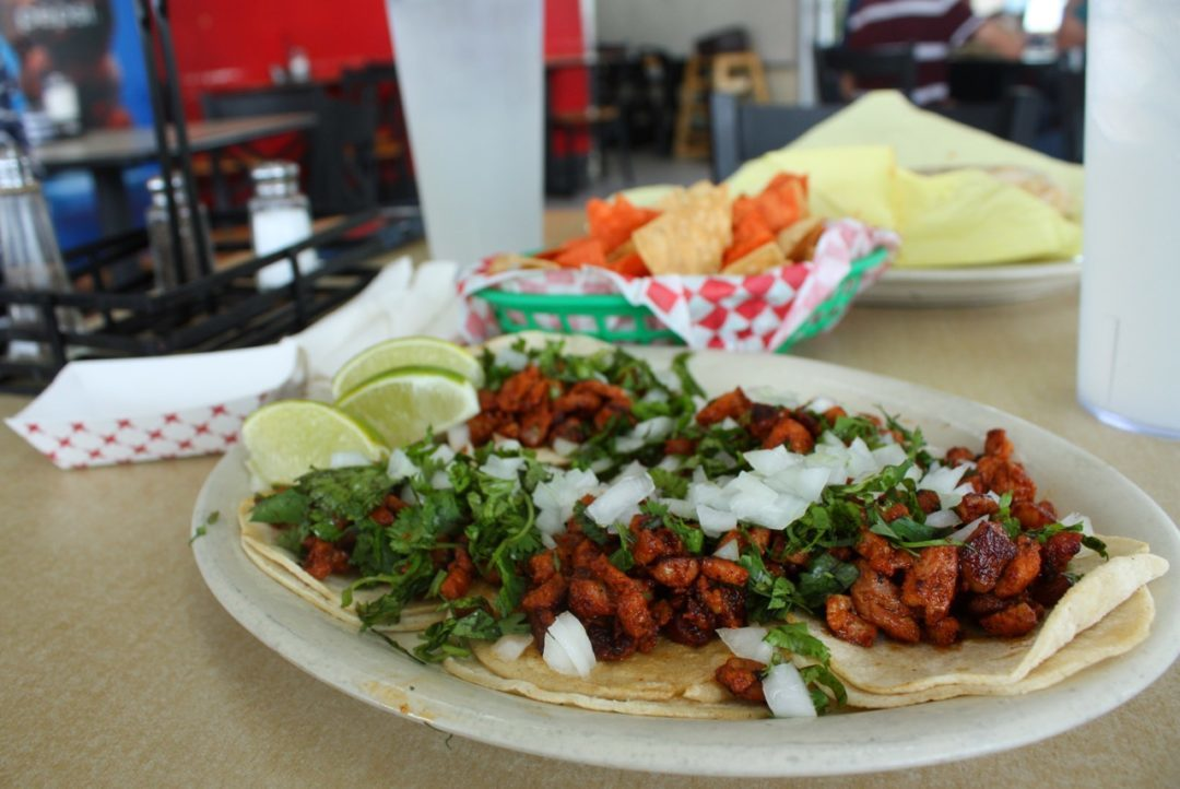 Los Robertos: Your Around-the-Clock Mexican Food Fix