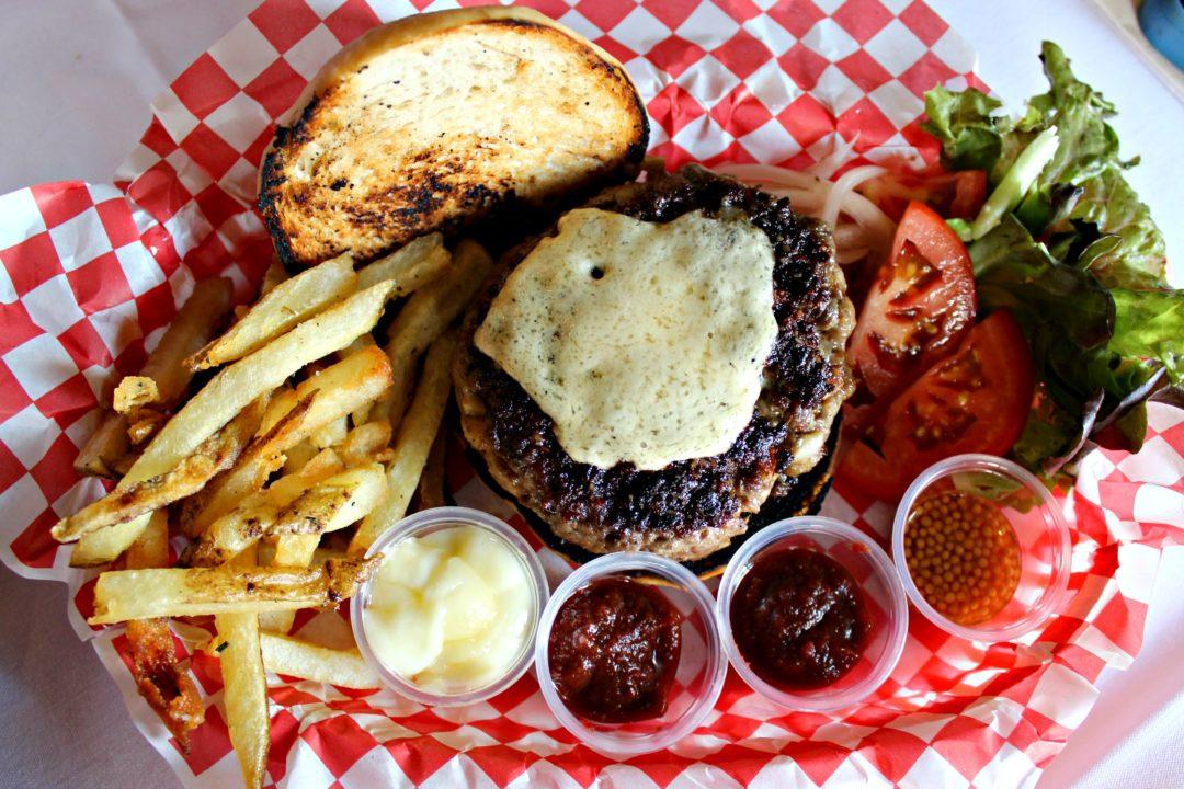 Restaurant Gwendolyn: A Pop-Up, Back-to-Basics Burger