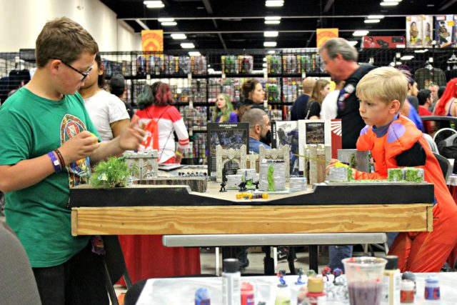 kids-playing-alamo-city-comic-con